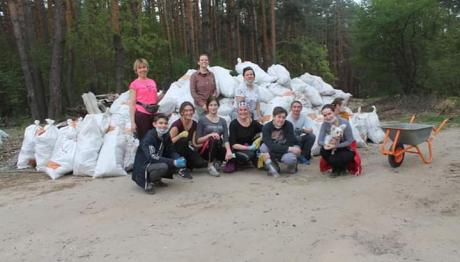 Новий рекорд: 283 мішки сміття зібрали в лісі жителі Ірпеня