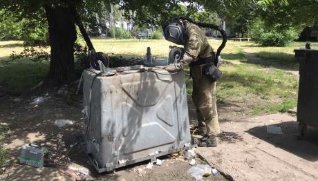В Запорожье неизвестные продолжают повреждать мусорные контейнеры