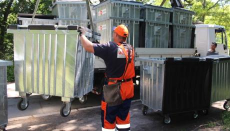 В Вознесеновском районе Запорожья завершена установка антивандальных мусорных баков