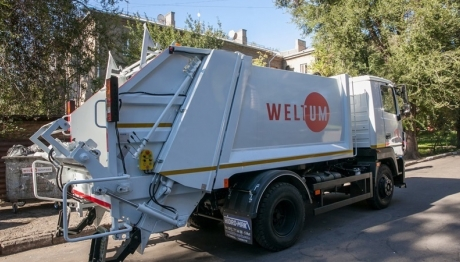 В Запорожье планируют приобрести 5 мусоровозов и 1000 контейнеров для отходов